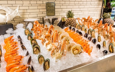 Royal Palm Buffet Dinner for 1 Adult (Friday – Sunday)